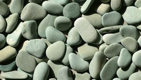 gravel  rocks   put   turtle tank