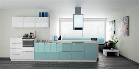 cuisine couleur gris bleu la cuisine laquée une survivance ou un hit moderne