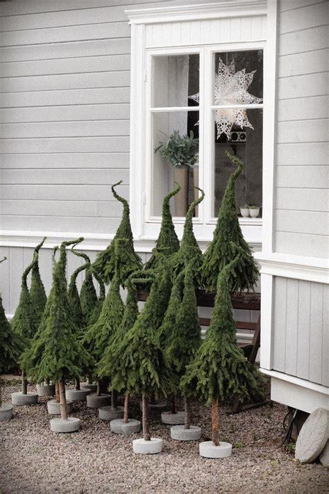 Weihnachtsbaum Aus Zweigen Binden by Zweige Verkehrt Rum Mit Gr 252 Nem Gartendracht Zusammenbinden