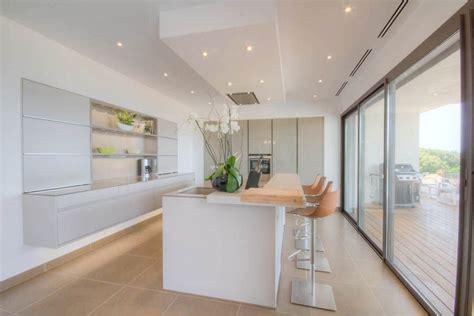 cuisine de luxe cuisine luxe moderne design leicht maison de prestige ajaccio
