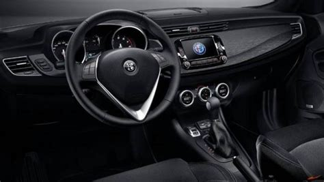 Interni Alfa Giulietta by Alfa Romeo Giulietta Listino Prezzi 2018 Consumi E