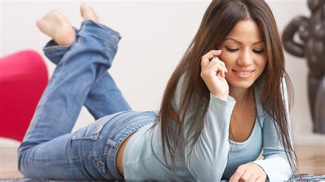 Online Dating How Soon Should You Ask For Her Phone