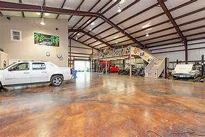 Now THAT's a garage! Who care s about a house ...