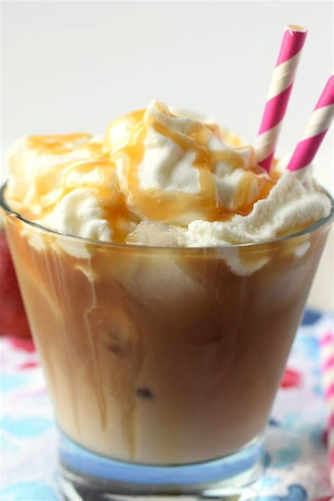 Then, caramel drizzle and a bold shot of espresso layer the love on top. Iced Caramel Macchiato {Starbucks Copycat} - Snacks and Sips
