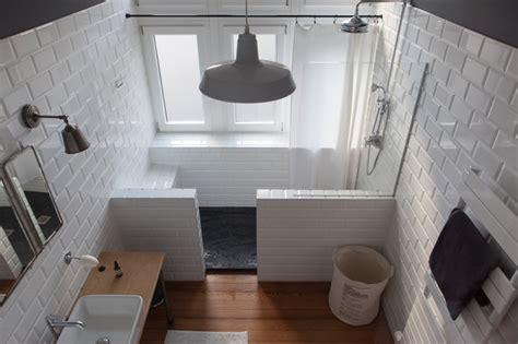 salle de bain retro photo r 233 novation d un pr 233 sbyt 232 re r 233 tro salle de bain autres p 233 232 tres par studio d 233 co poivre