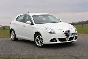 Alfa Romeo Giuletta : alfa romeo giulietta hatchback review 2010 parkers ~ Medecine-chirurgie-esthetiques.com Avis de Voitures