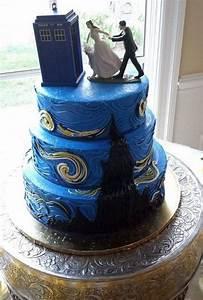 31 Geeky Wedding Cake Toppers   HappyWedd.com