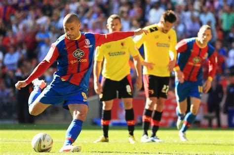 Kevin Phillips fires Crystal Palace into the Premier ...