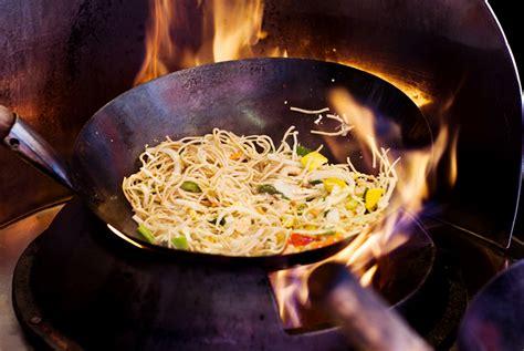 cuisine techniques wok