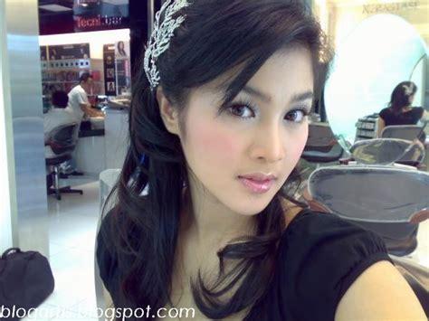 Wanita Hamil Tanpa Busana Spurgeon Blog Foto Sandra Dewi