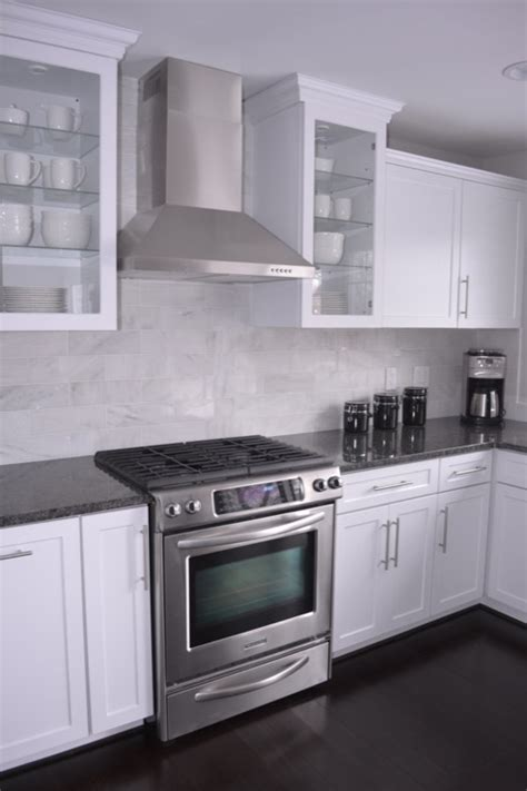 White Cabinets Gray Countertops by White Kitchen Cabinets Gray Granite Countertops Design Ideas