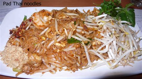 pad thai noodles 301 moved permanently