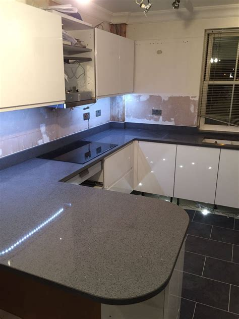 Grey Quartz Worktops   Rock and Co Granite Ltd