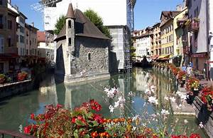 Jeep Annecy : why annecy is a real life fairytale town journo on the run ~ Gottalentnigeria.com Avis de Voitures