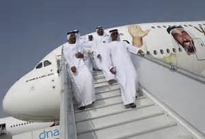 Dubai Air Show: Emirates and Boeing Reach $15.1B Deal ...