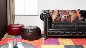 Couch Stoff Reinigen : kunstleder sofa reinigen tipps und tricks bei westwing ~ Markanthonyermac.com Haus und Dekorationen