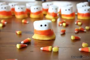 Pumpkin Whoopie Pies Recipe Easy by 20 Fun Halloween Treats To Make With Your Kids It S