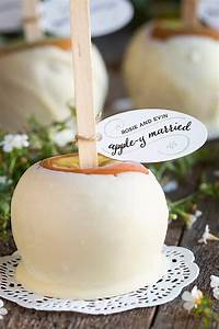wedding favor friday caramel apples apple wedding With caramel apples wedding favors