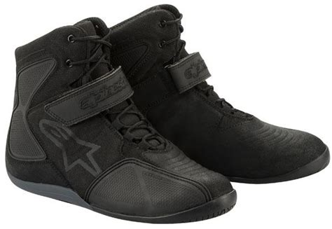 Motorcycle Boots : Motorcycle Boot Buyer's Guide