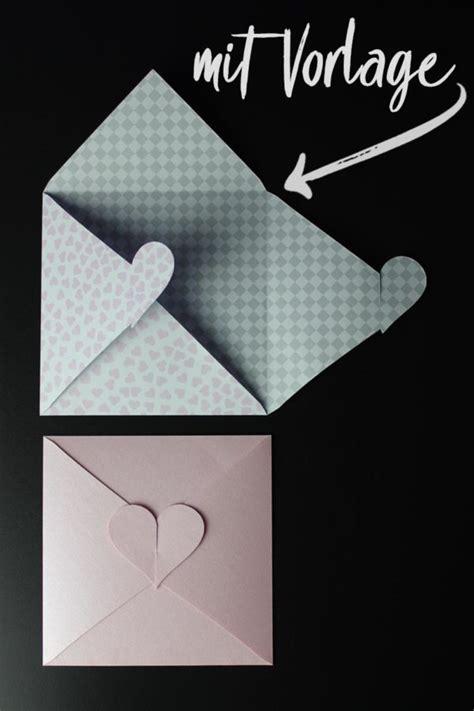kleine briefumschläge basteln kuvert mit herz basteln mit vorlage handmade kultur