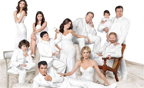 modern family with subtitles in 2k herewload