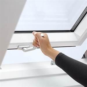 Velux Fenster Aushängen : velux schwingfenster mit obenbedienung leicht bedienbar ~ Frokenaadalensverden.com Haus und Dekorationen