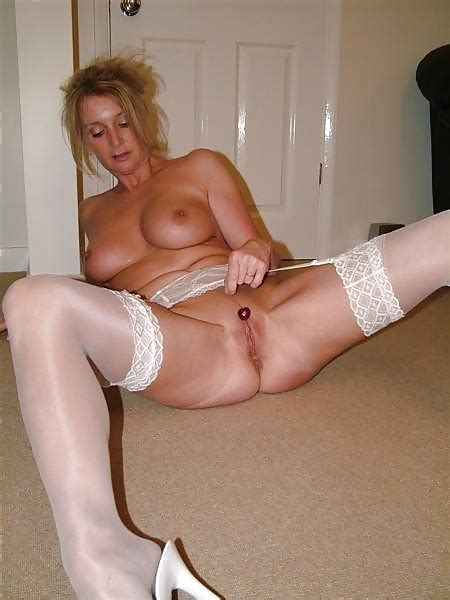 Amateur In Stockings And Garter 41 Pics Xhamster