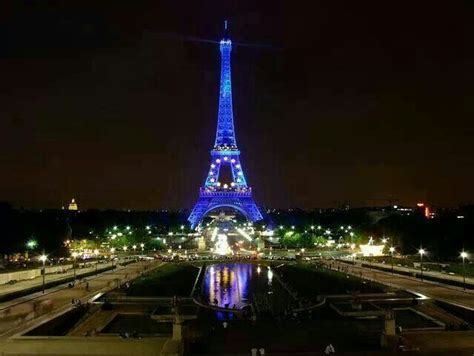 eiffel tower  vacation destinations