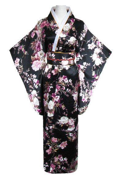 robe de chambre japonaise 1000 idées sur le thème kimono japonais sur