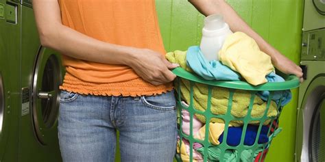 how do you hand wash clothes in a sink 7 ways you 39 re doing laundry wrong