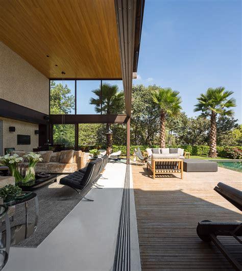 Open Plan Limantos Residence by Retractable Walls Interior Design Ideas