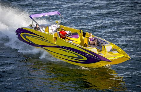 Deck Boat Advantages by Meet The Lakers Inspired Mamba Out Advantage 34 Cat