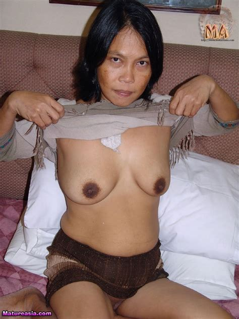 Old Mature Asian Granny Gets Nude For Her First Porn Shoot