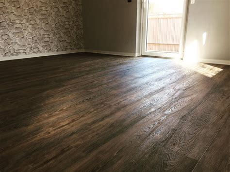 Vinylboden Wohnzimmer Dunkel by Bodenbel 228 Ge Vinylboden Teppichboden Parkett Mehr In