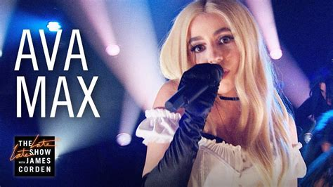 Ava Max Incredibile! Raggiunge La Numero 1 Su Itunes Italia