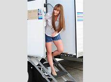 Jennifer Love Hewitt on a set in London SAWFIRST Hot