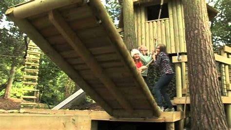 pulling   drawbridge   treehouse  treehouse