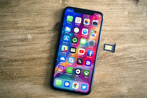 leaks suggest apples  iphones  support dual
