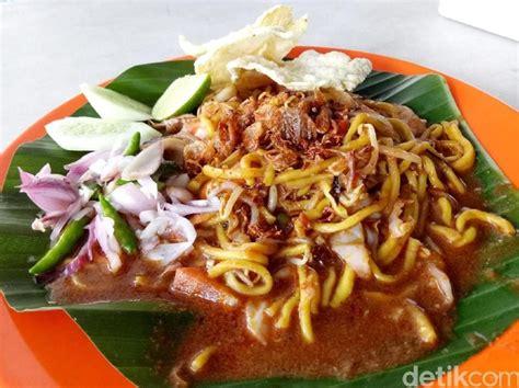 Mie aceh merupakan menu berbahan utama mie yang dimasak pedas khas aceh. Resep Mie Aceh Goreng yang Hangat Berempah