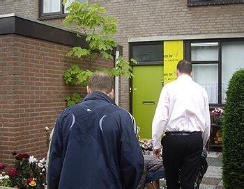 buren bloemen stille tocht en herdenkingsdienst zwijndrecht net