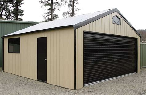 Double Garage : Large & Industrial Garages