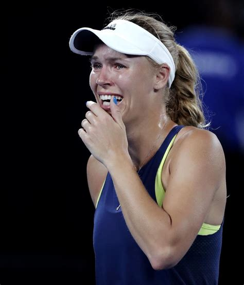 Head To Head | Caroline Wozniacki vs Simona Halep H2H