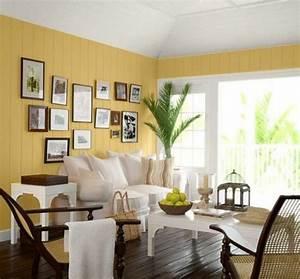 Weiße Möbel Wohnzimmer : wei e m bel und gelbe w nde im wohnzimmer wohnzimmer streichen 106 inspirierende ideen ~ Orissabook.com Haus und Dekorationen
