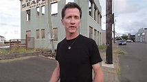 """MIKE HOWE Talks Quitting The Music Business In 1994 - """"If ..."""