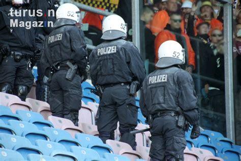 Squad of fc hansa rostock. Foto: Dynamo Dresden beim F.C. Hansa Rostock - Bilder von ...
