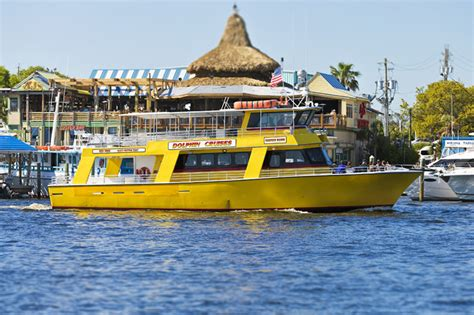 Glass Bottom Boat Tours In Destin Florida by 7 Delightful Destin Things To Do In Winter Tripshock