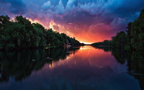 mc62-wallpaper-lightening-reflected-lake-sea-river-nature ...
