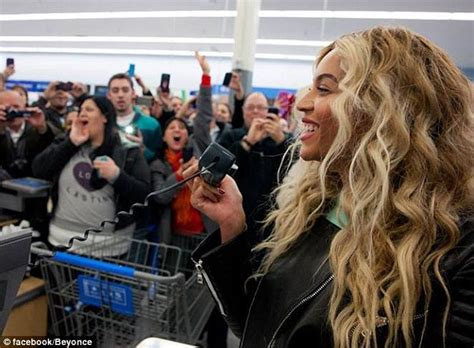 gifts for beyonce fans beyonce surprises fans by going christmas shopping at