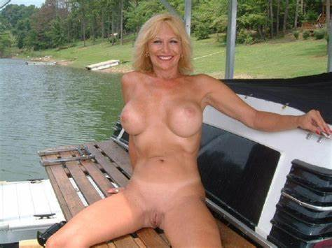 Woods Boat Couple With Many Playful Amateurs