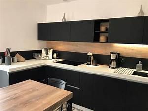 credence cuisine design deco cuisine moderne idee deco With superior meuble cuisine blanc laque 2 cuisine verre ebane
